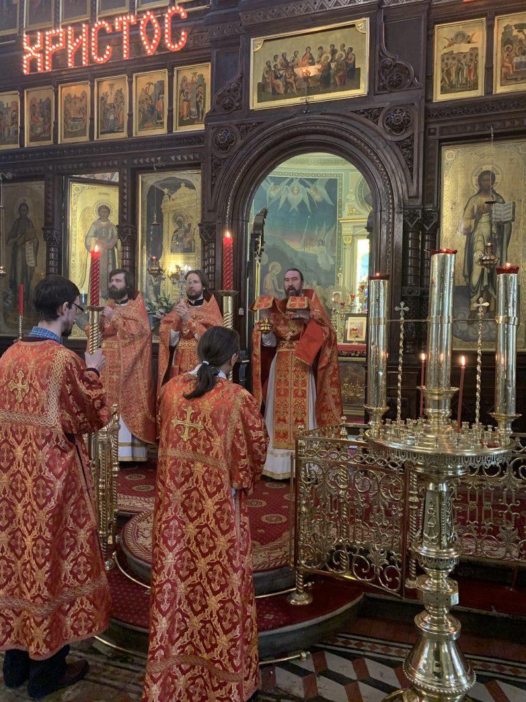 Божественная Литургия в праздник иконы Божией Матери Нечаянная Радость